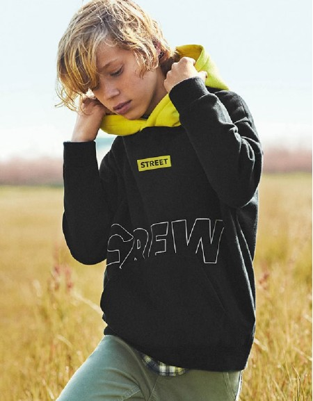 Black Contrast Pullover With Hoodie