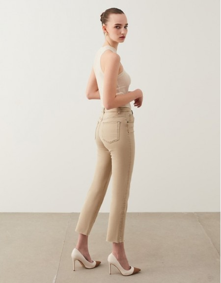 Stone Cropped Straight Fit Jeans
