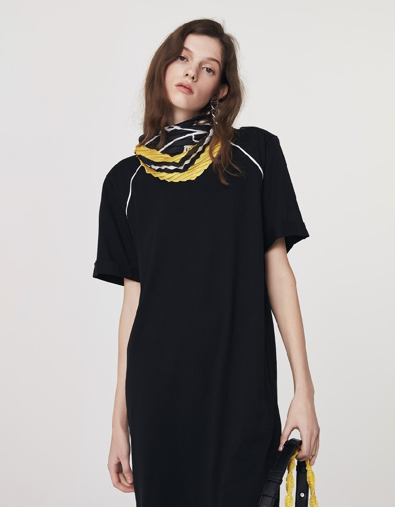 Black Knitted Dress With Piping Detail