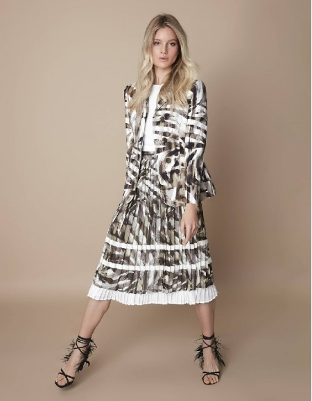 Khaki Pleated skirt with grosgrain stripe