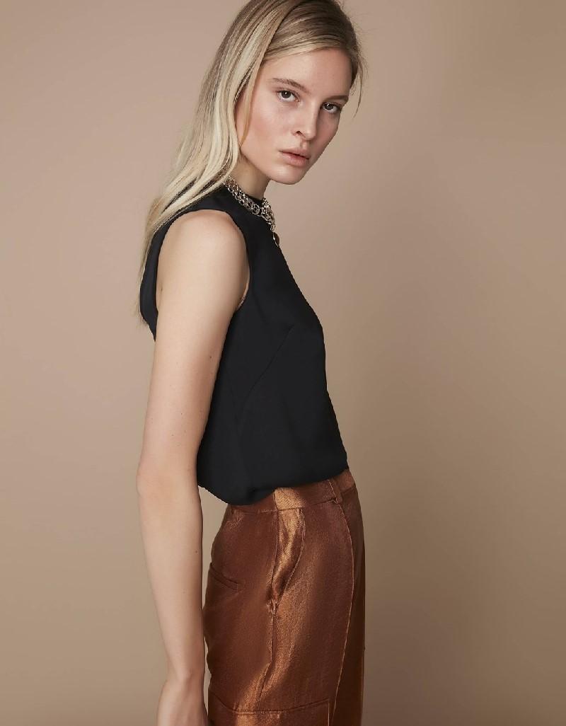 Black Back detailed blouse