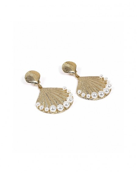 Gold Seashell earrings with pearls