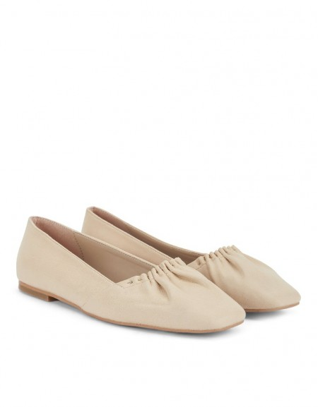 Brown Flat Shoes With Gathered Detail