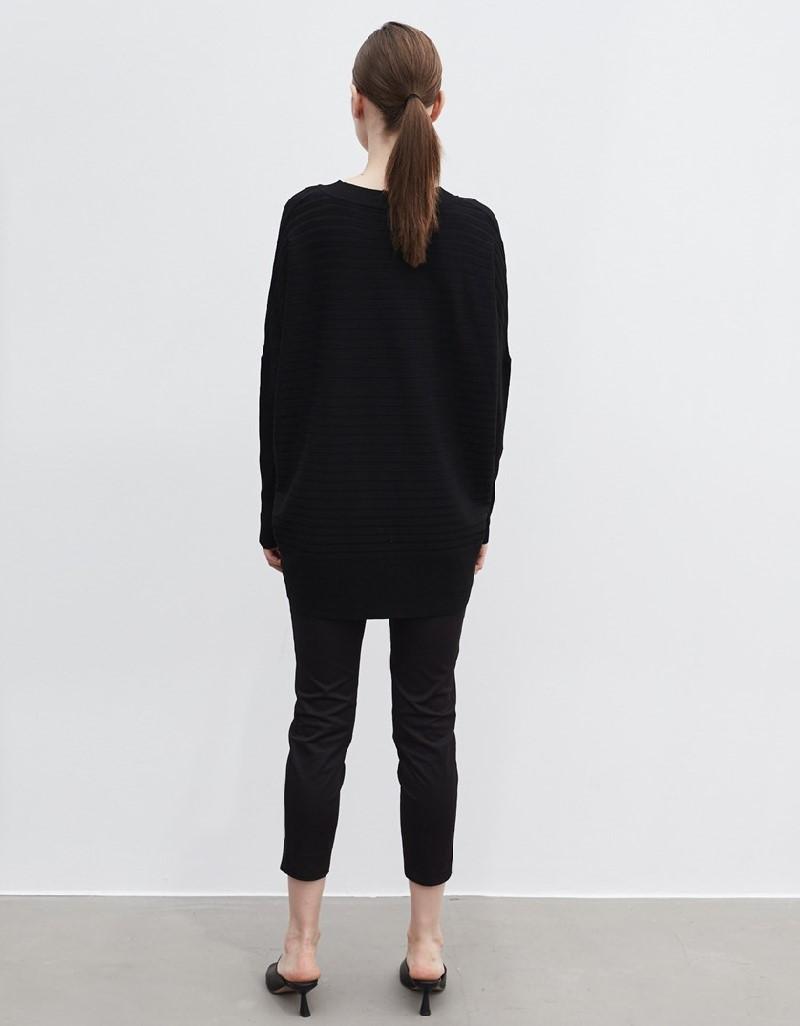 Black Oversized Knitwear