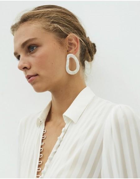 White Fluid Form Hoop Earrings