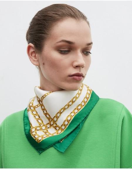Green Chain Pattern Scarf