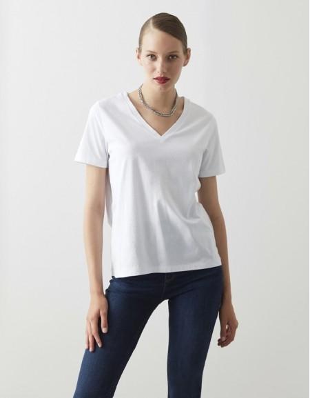 White V-Neck Basic T-Shirt