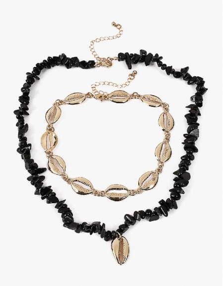 Black Seashell Lined Necklace