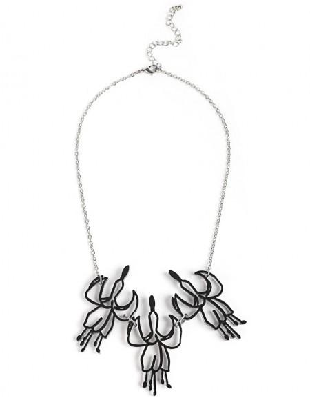Silver Flower Figured Necklace