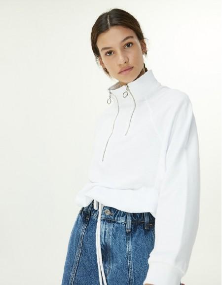 White Zipper Closure Sweatshirt